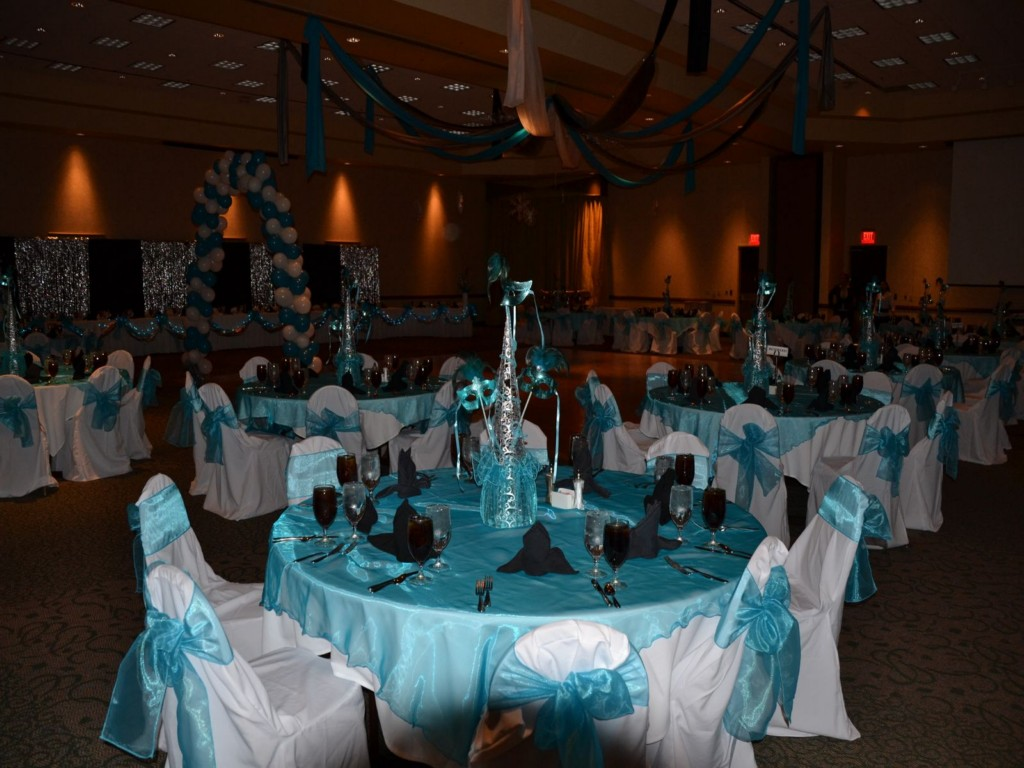 Image of: Quinceanera Centerpieces For Tables