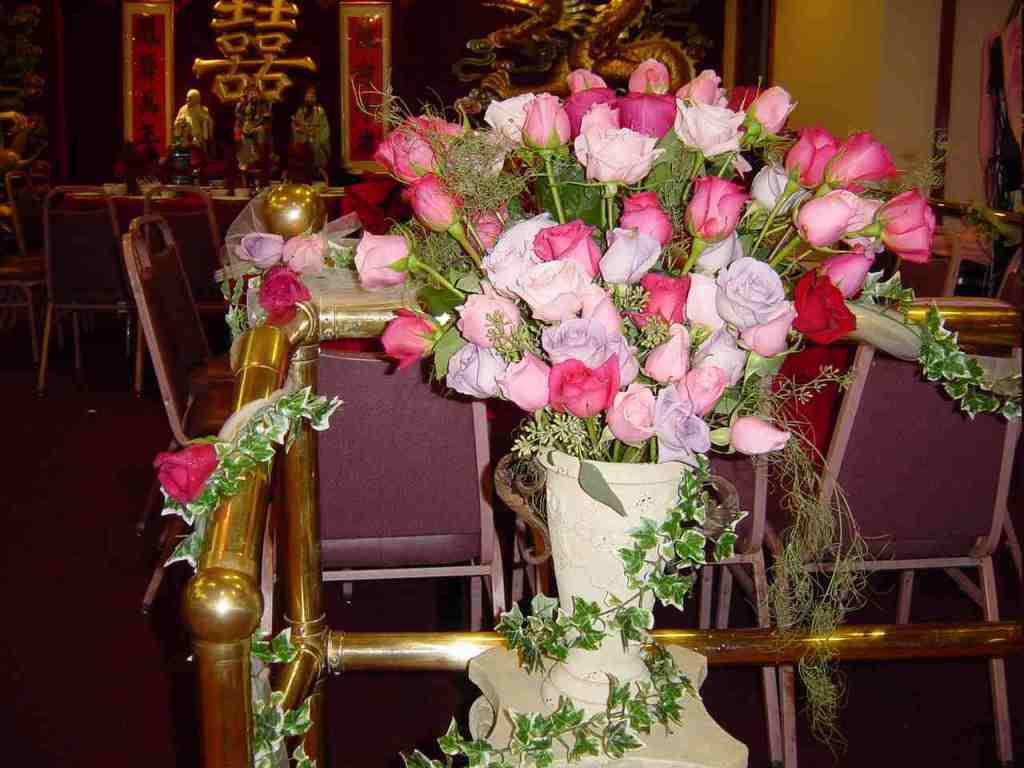 Image of: Small Church Wedding Decorations