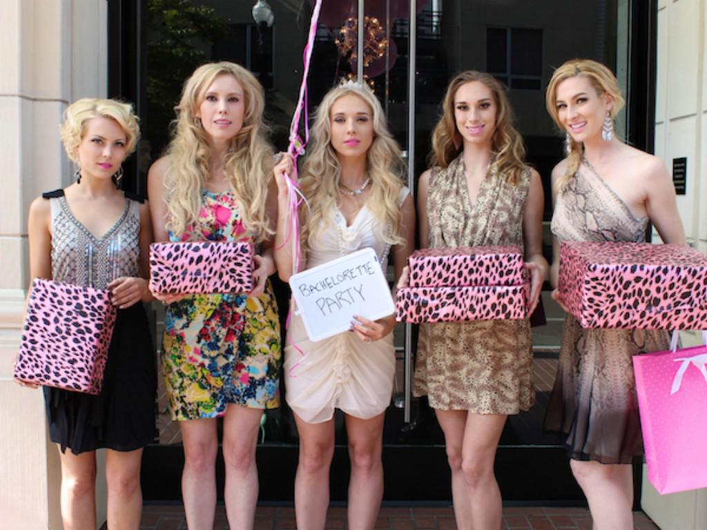 Image of: Girls Bachelorette Party Outfits