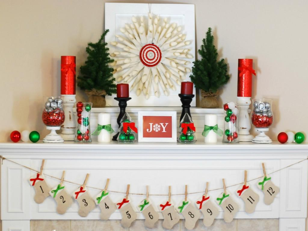 Image of: Best Christmas Mantel Decorations