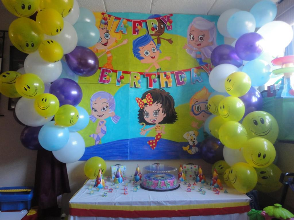 Image of: Bubble Guppies Balloon Decorations