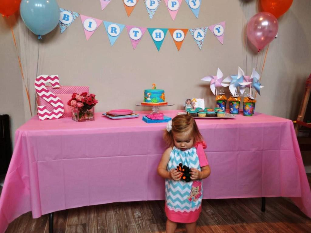 Image of: Bubble Guppies Decorations For Birthday Party