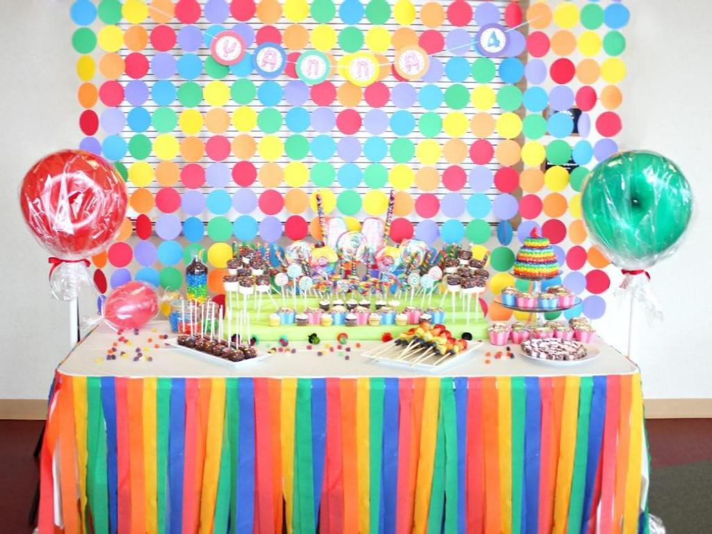 Image of: Candyland Decorations For Sweet 16