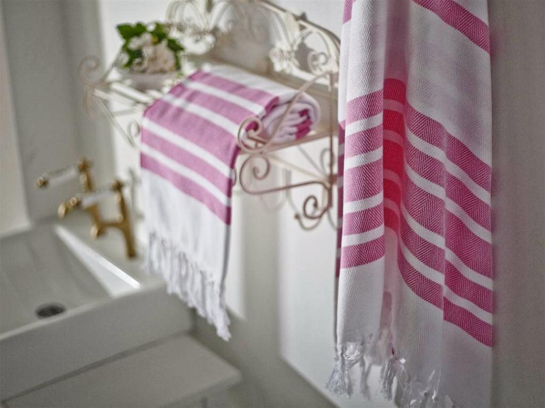 Image of: Charming Decorative Bath Towels