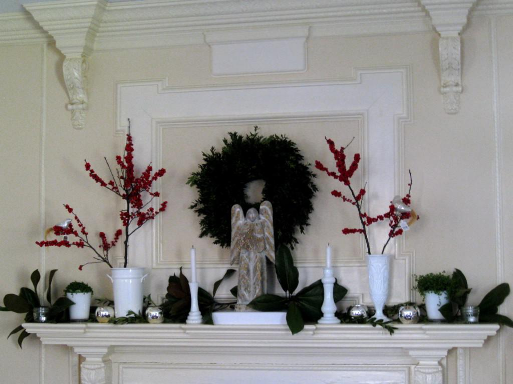 Image of: Christmas Mantel Decorations Fireplace