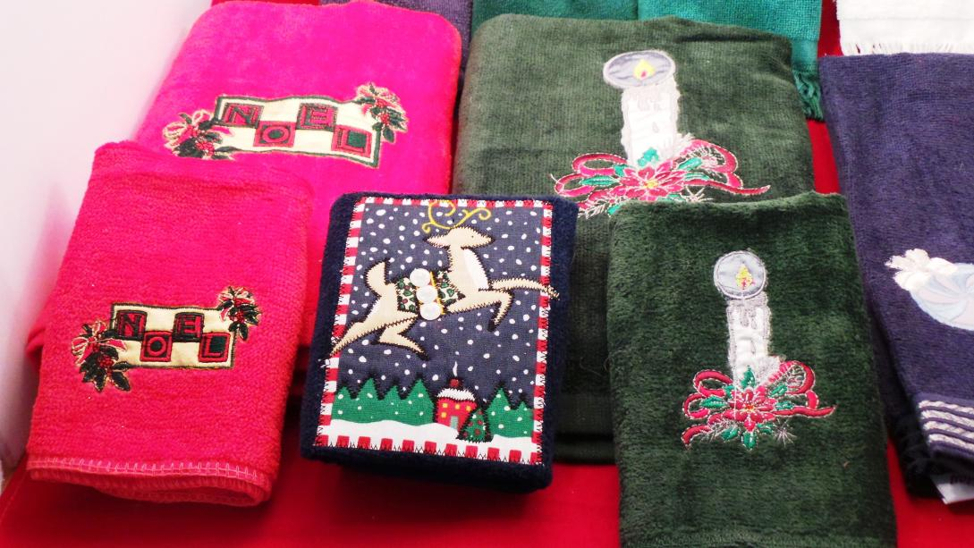 Image of: Decorative Bath Towels Collections