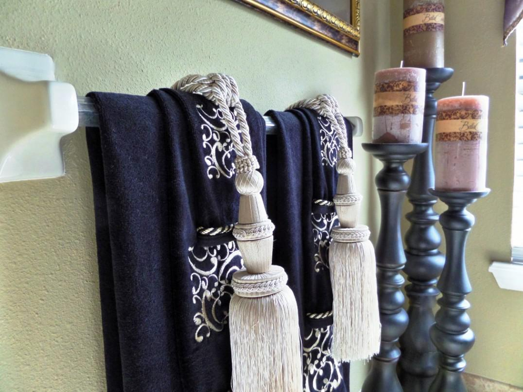 Image of: Decorative Bath Towels with Tassels