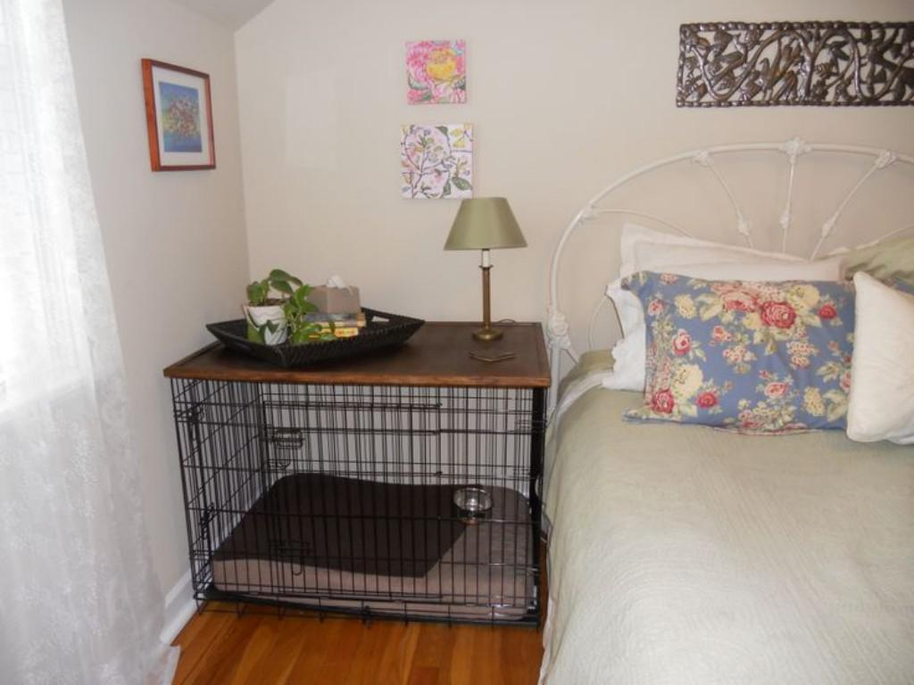 Image of: Decorative Dog Crates At Bedroom