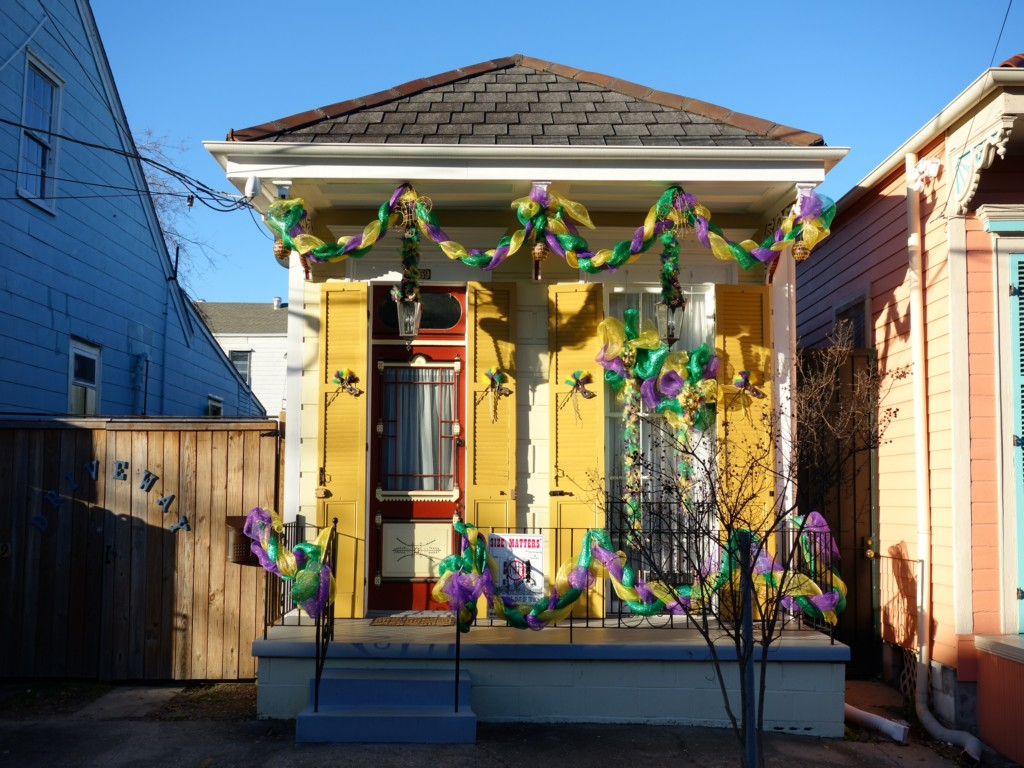Image of: Diy Mardi Gras Decorations