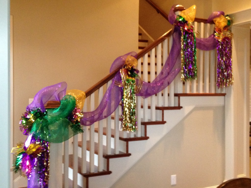 Image of: Mardi Gras Decorations Cheap