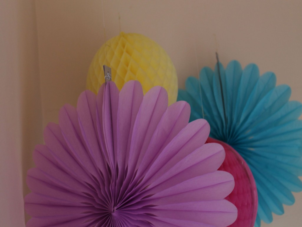 Image of: Paper Fans Decorations