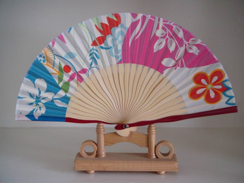 Image of: Paper Fans For Wedding