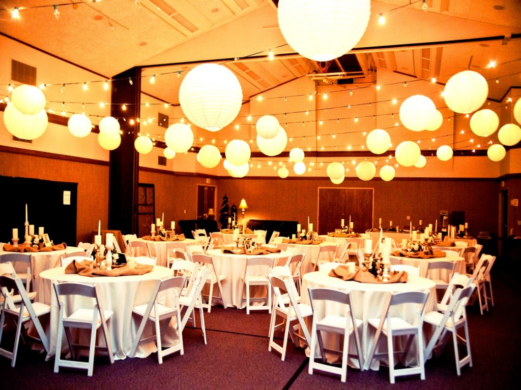 Image of: Simple Wedding Decorations For Reception