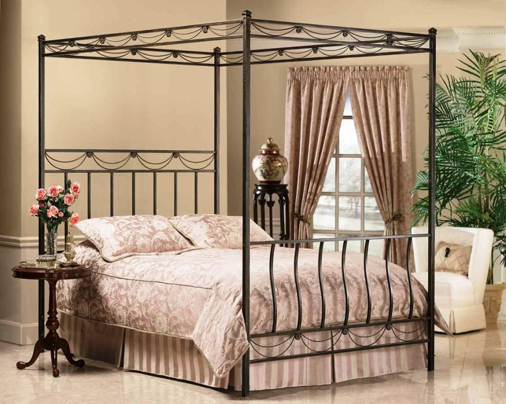 Image of: Iron Canopy Beds for Cheap