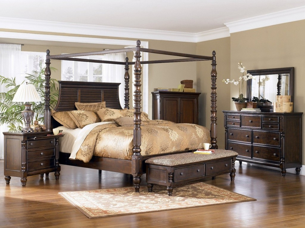 Image of: Bedroom Queen Size Canopy Bed