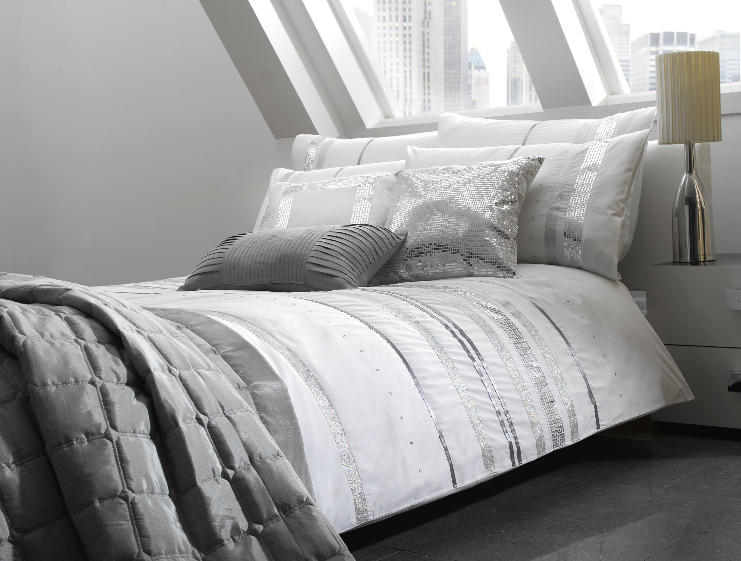 Image of: Black And White Comforter Cover