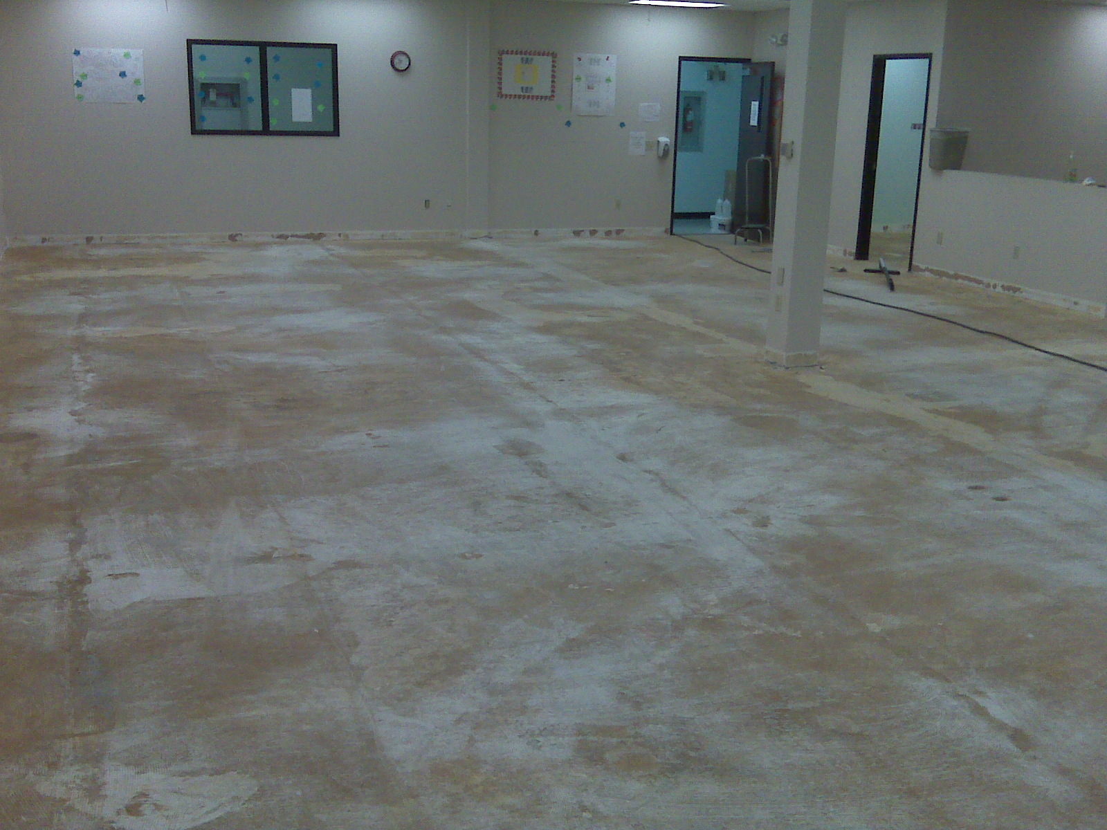 Image of: Concrete Floor Staining