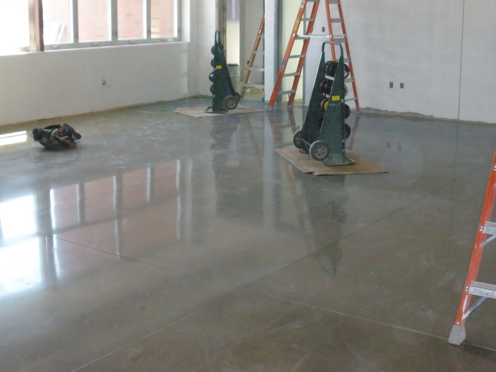 Image of: Concrete Floor Tiles