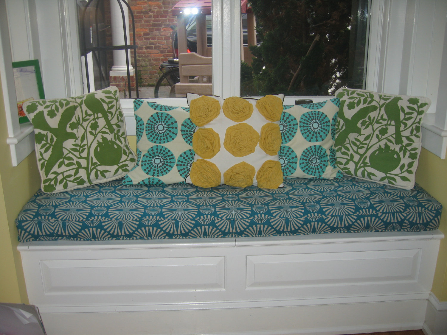 Image of: Custom Bench Cushions Color Decor