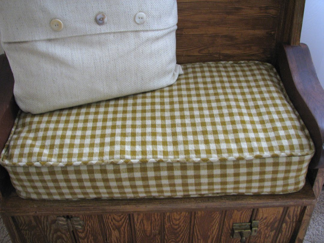 Image of: Custom Made Bench Cushions