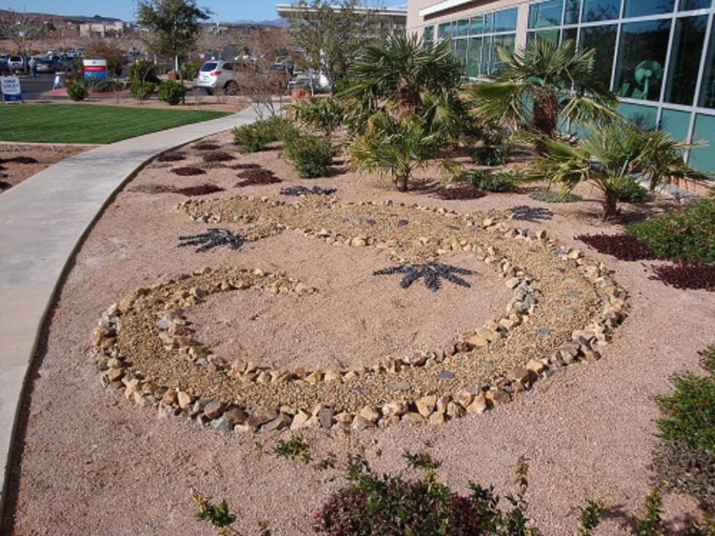 Image of: Desert Landscape Design Photos