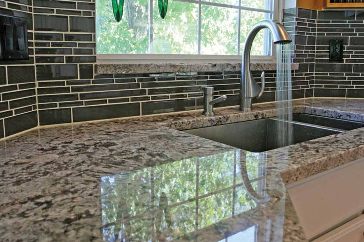 Image of: Diy Glass Tile Backsplash