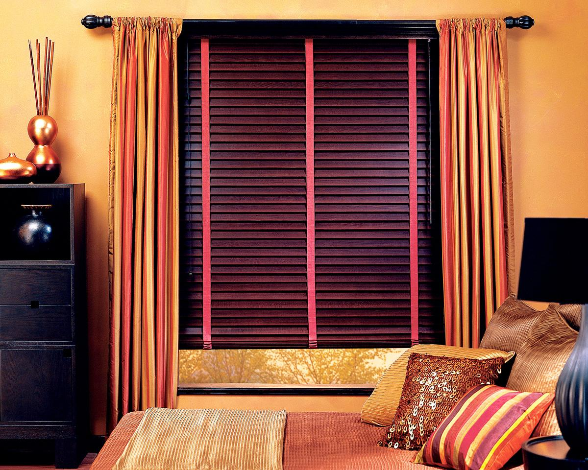 Image of: Faux Wood Blinds Photos