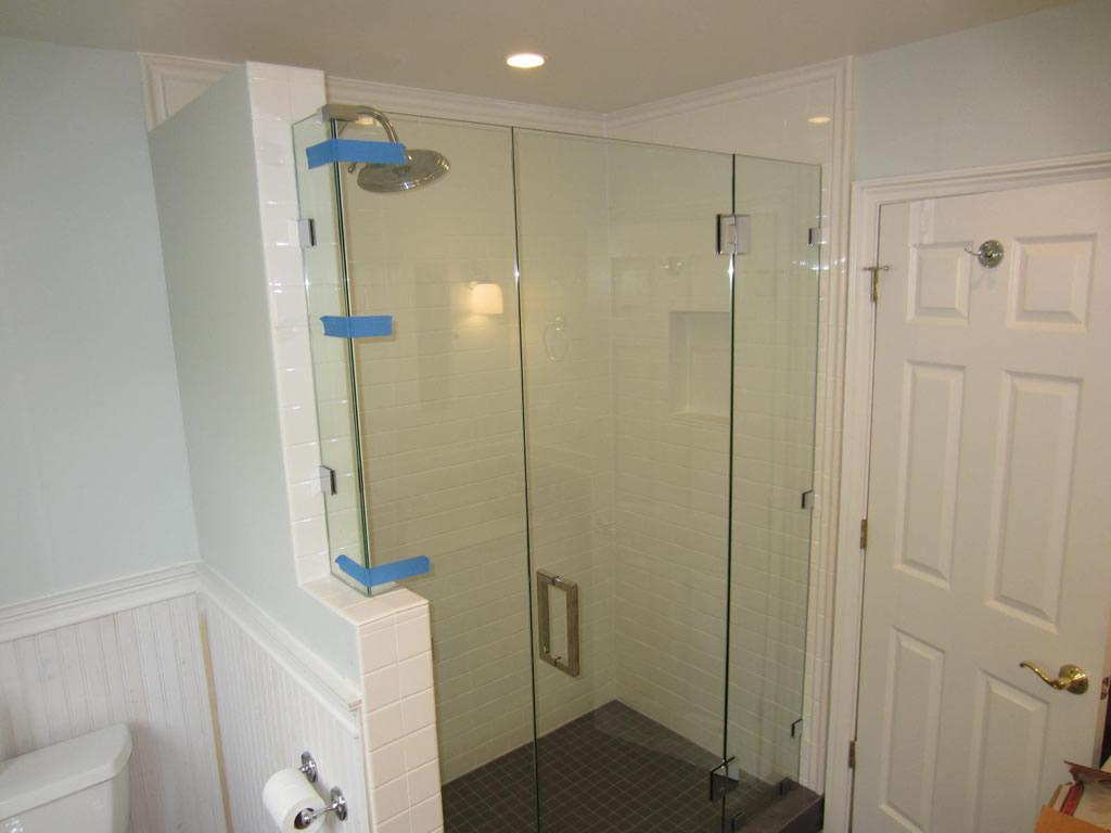 Image of: Frameless Glass Shower Enclosure