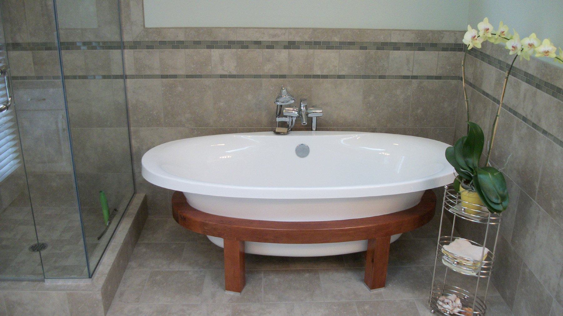Image of: Free Standing Bath Tub For Sale