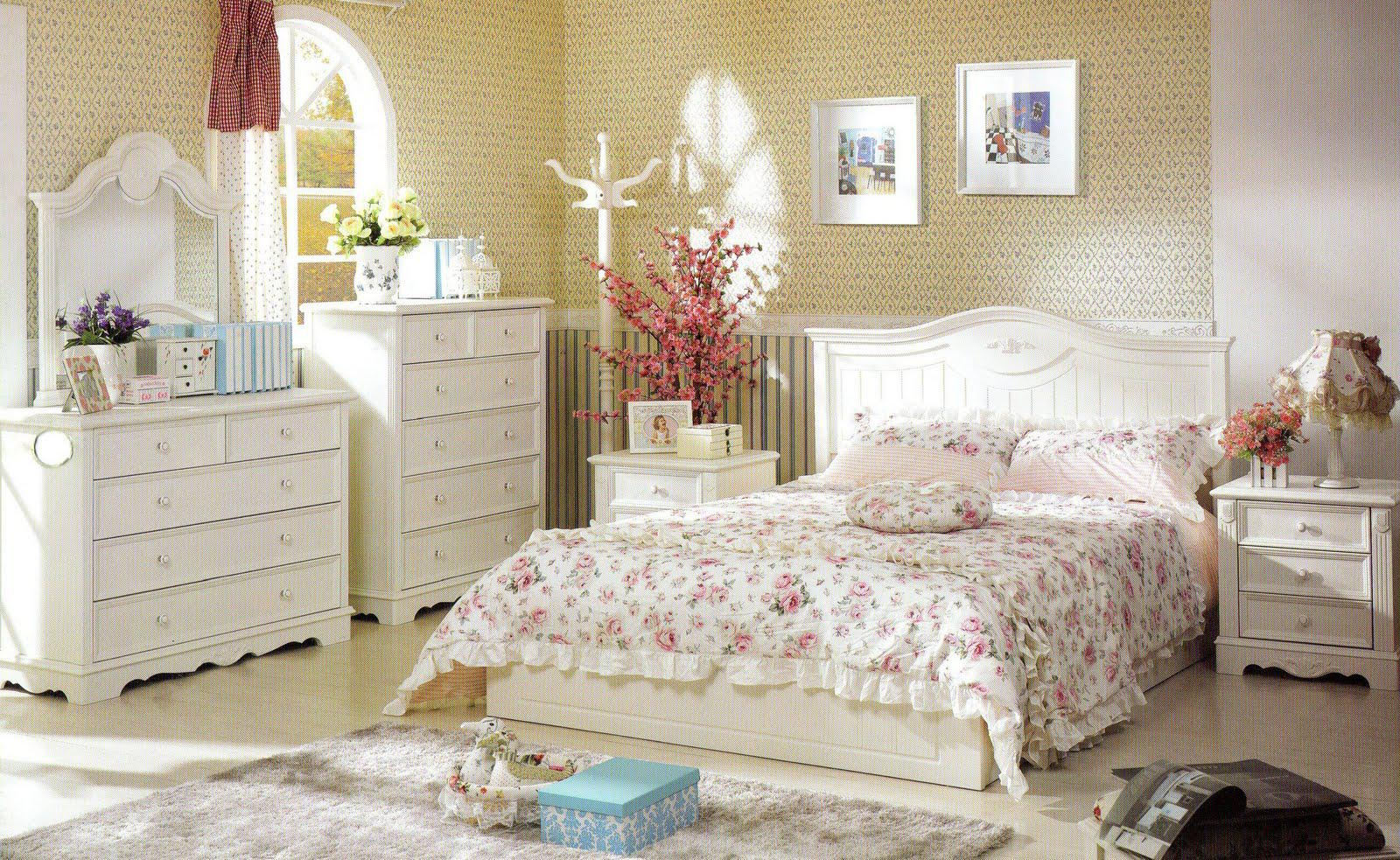 Image of: French Country Bedroom Designs