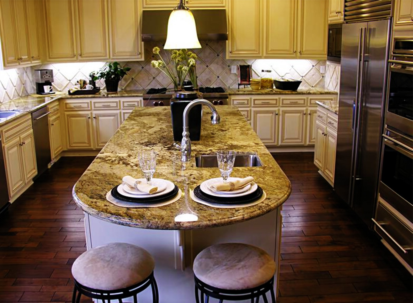 Image of: Galley Kitchen Designs Pictures