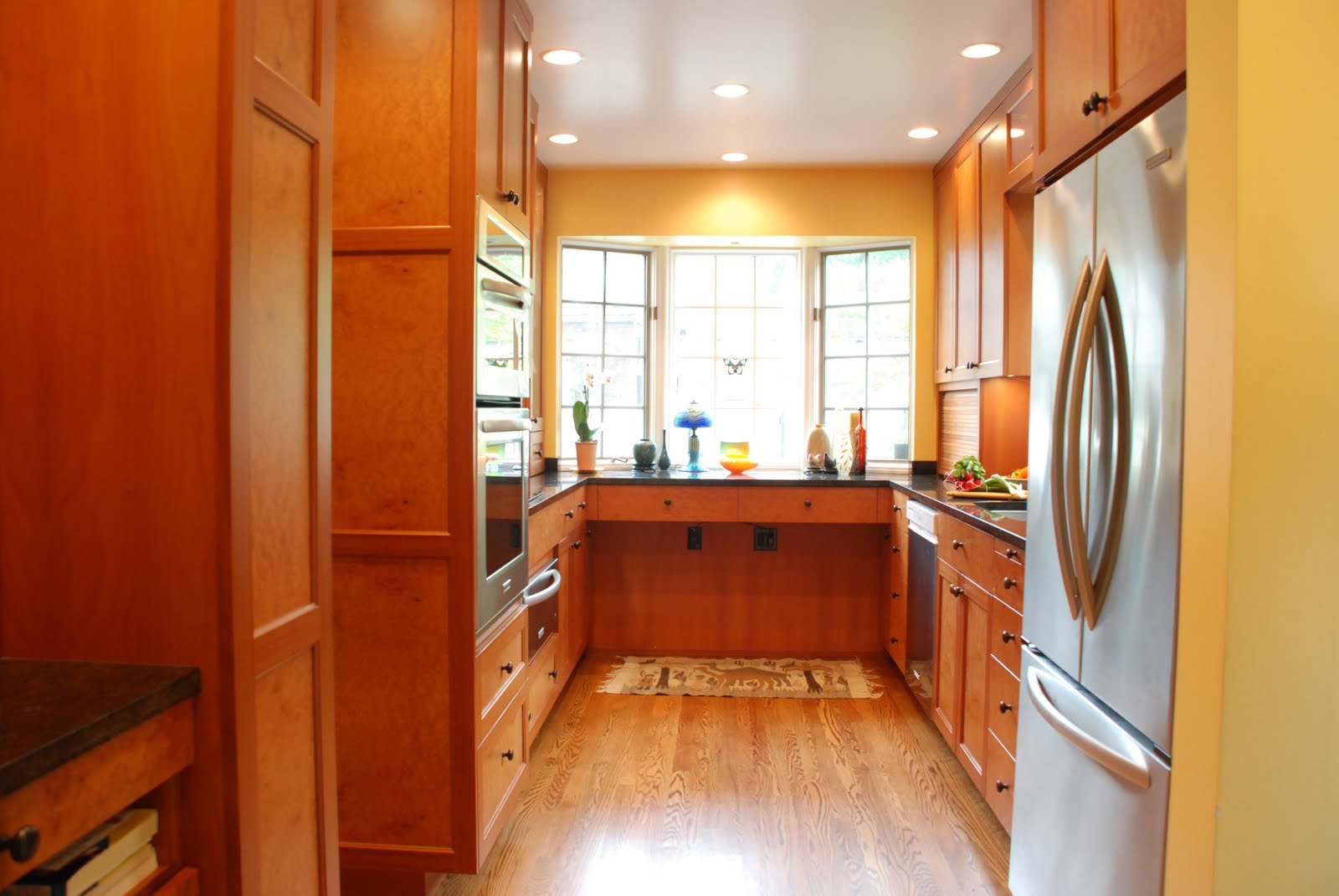 Image of: Galley Kitchen Photos