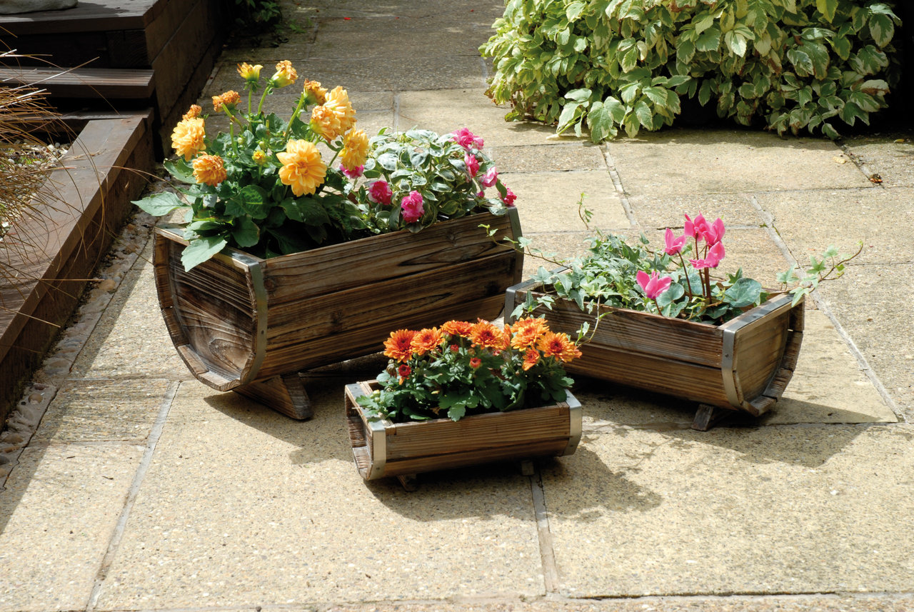 Image of: Garden Wooden Planters And Troughs