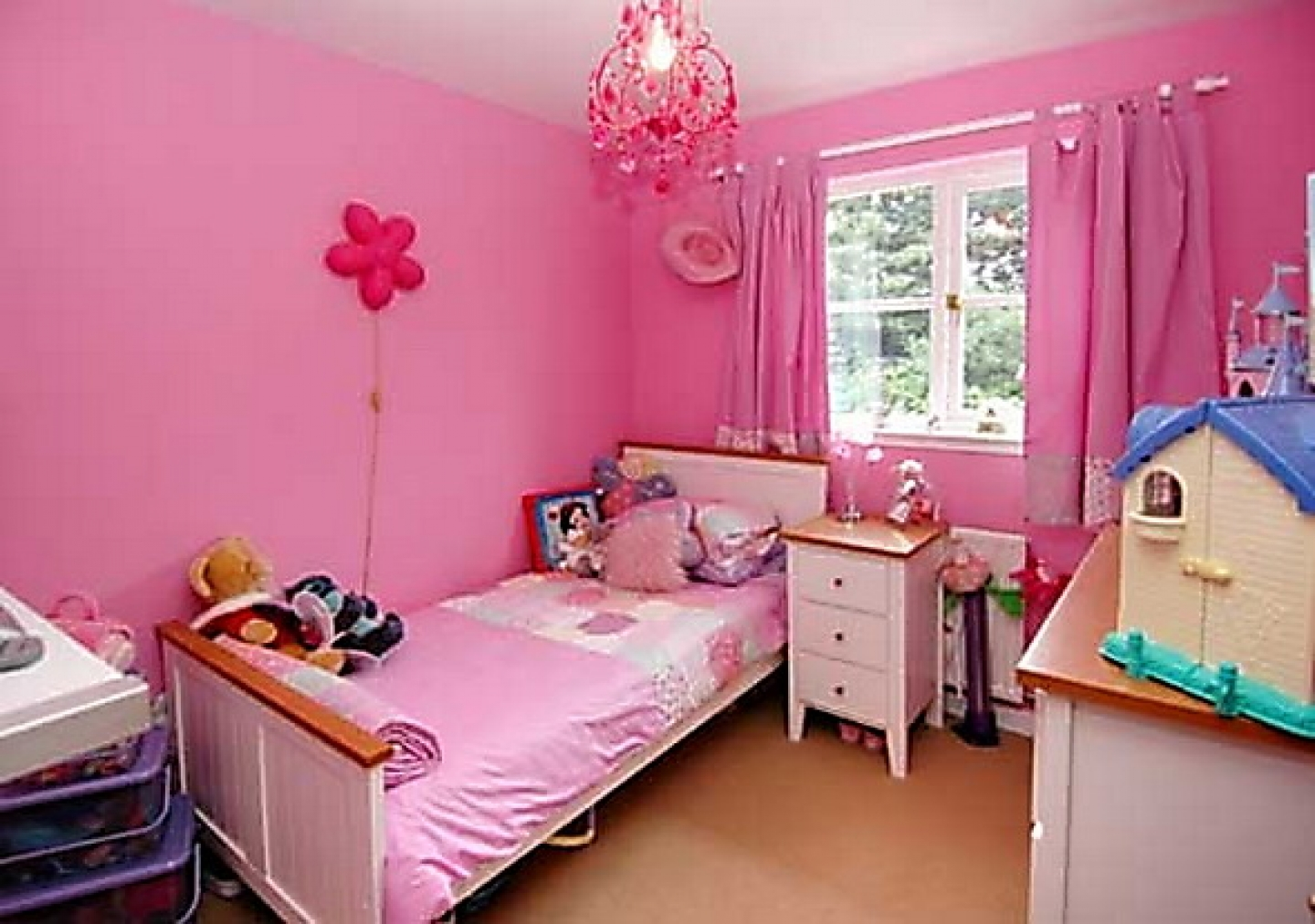 Image of: Girl Bedroom Furniture