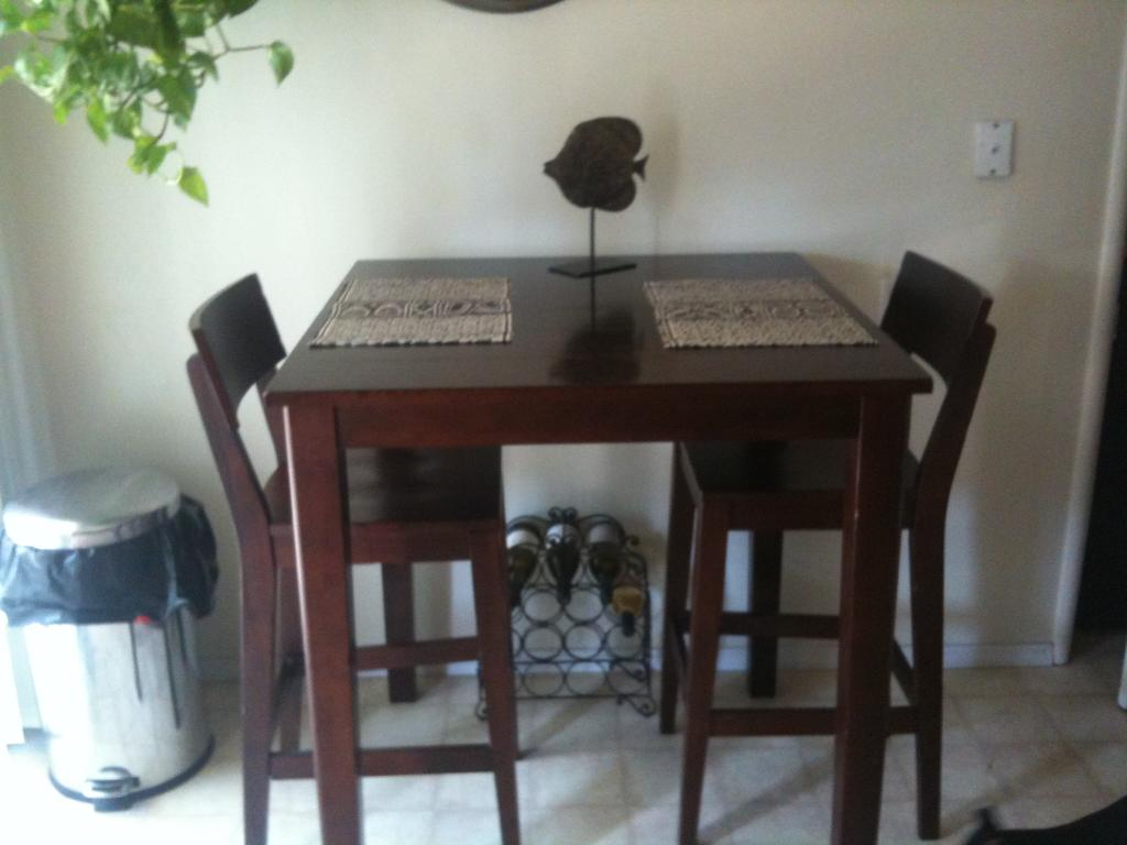 Image of: Ikea Small Dining Table
