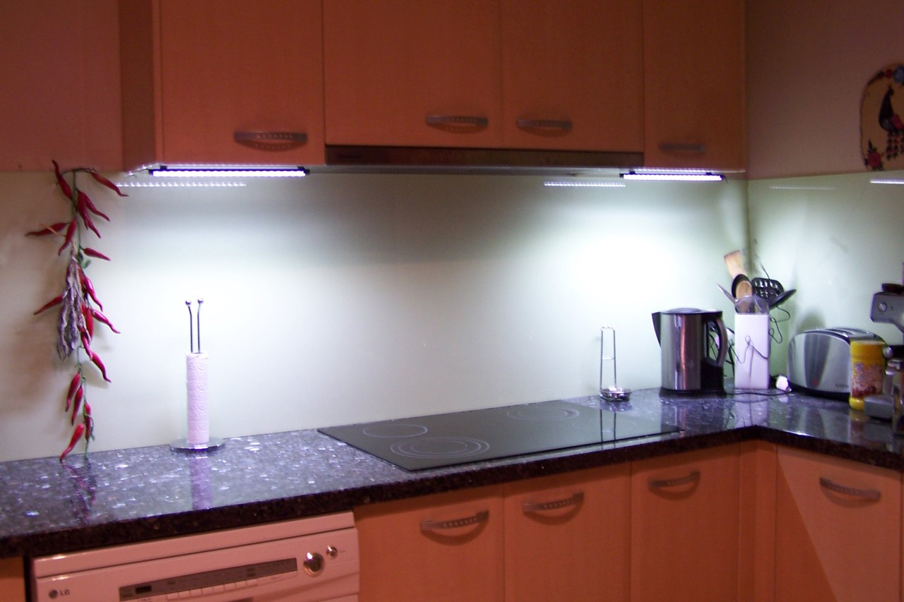 Image of: Installing Under Cabinet Lighting