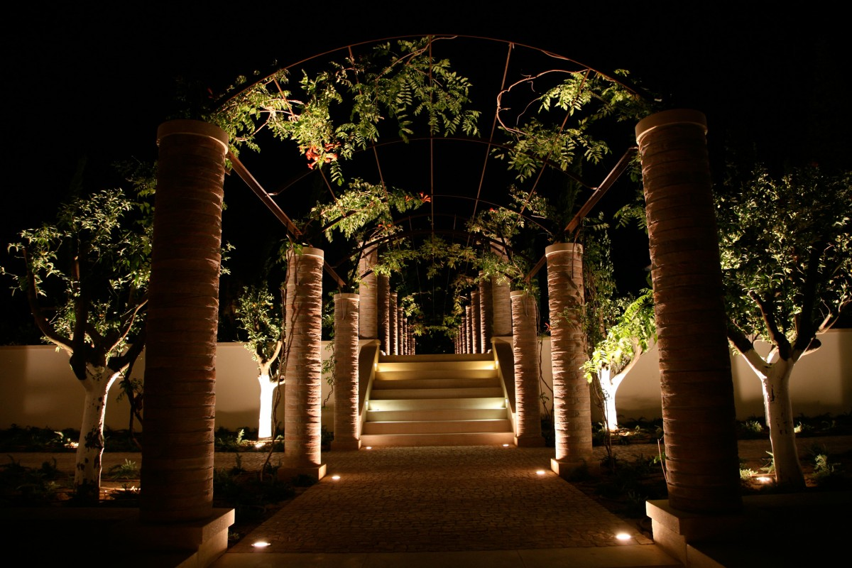 Image of: Led Pathway Lighting Kits