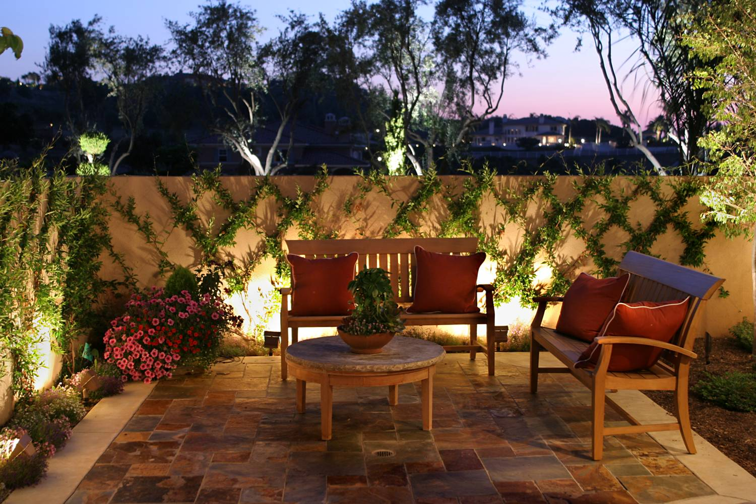 Image of: Low Voltage Garden Lighting Kits