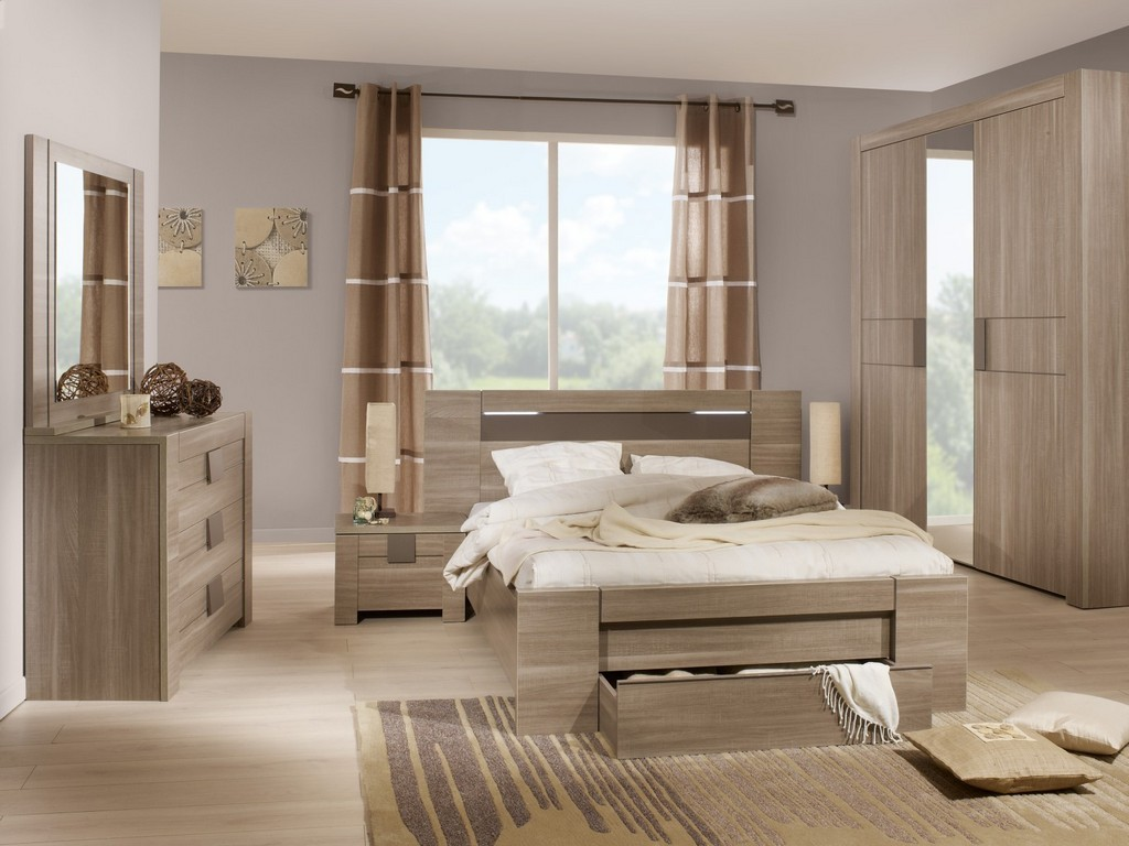 Image of: Macy Mirrored Bedroom Furniture