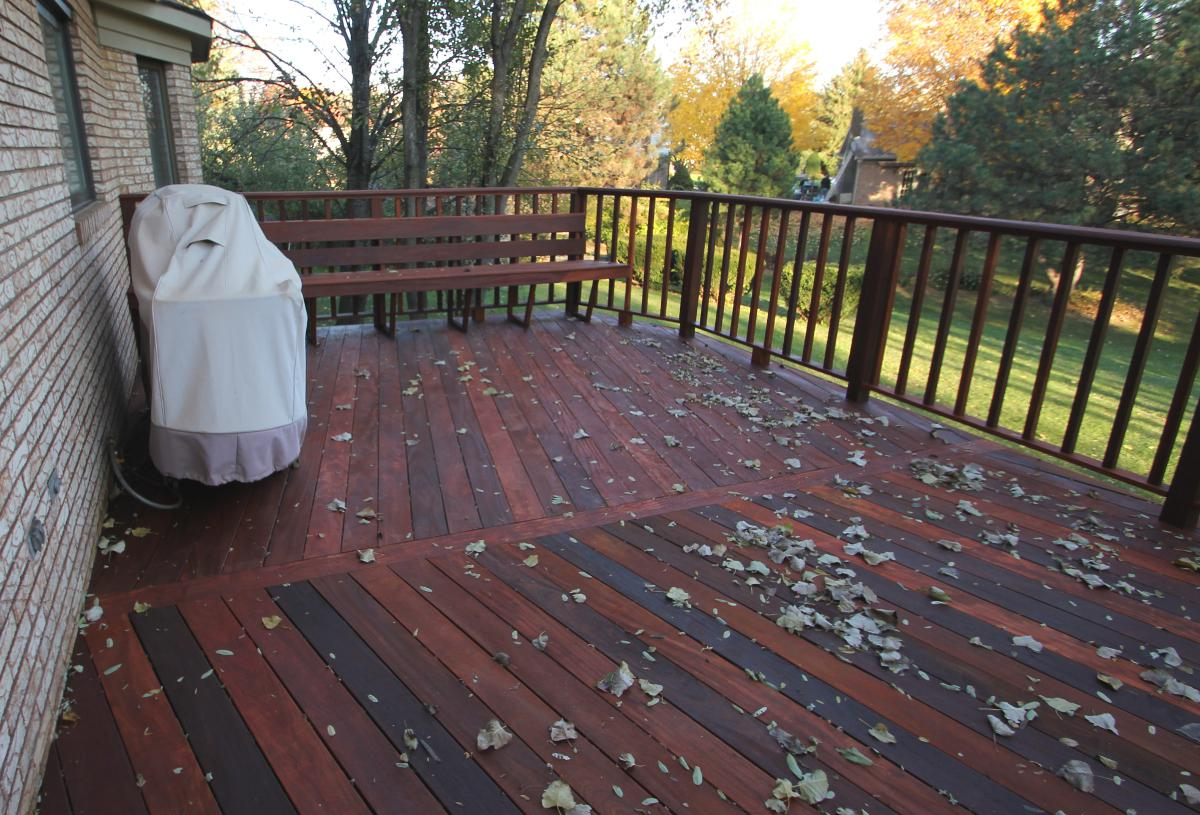 Image of: Mahogany Deck Stain Reviews