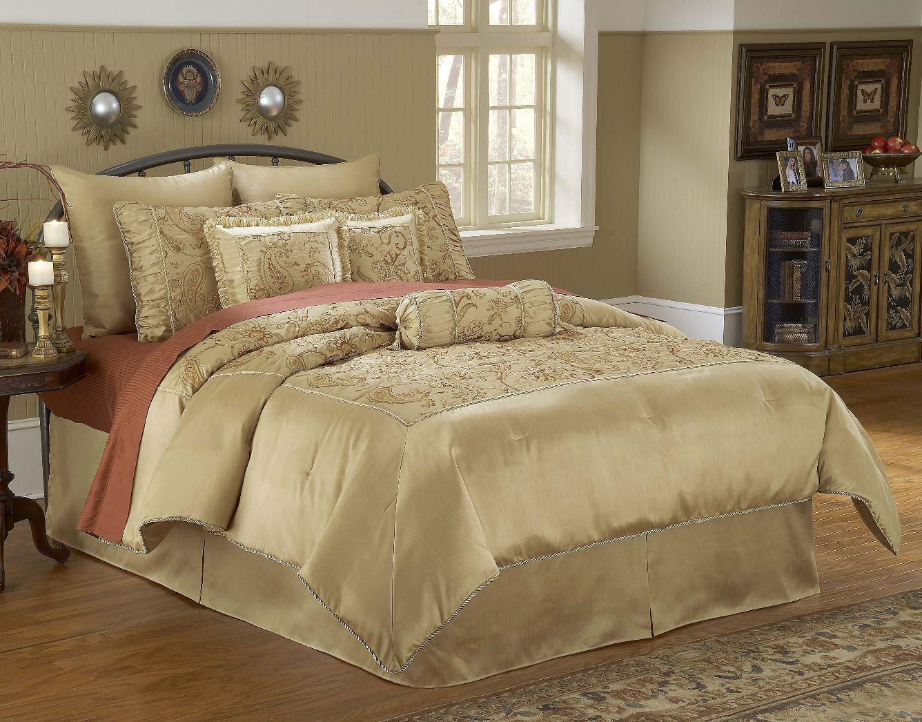 Image of: Master Bedroom Comforter Sets