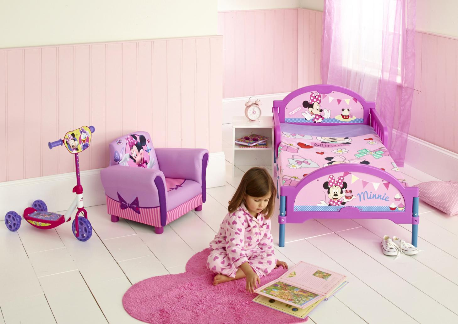 Image of: Minnie Mouse Toddler Bed