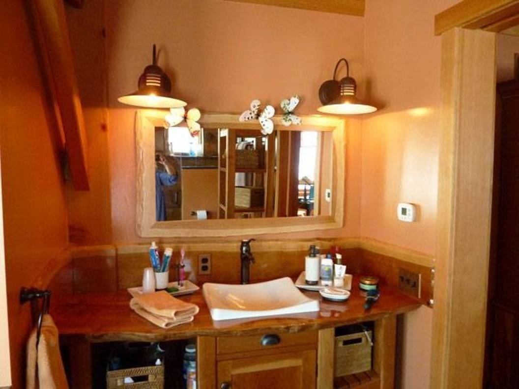 Image of: Modern Bathroom Vanity Lights