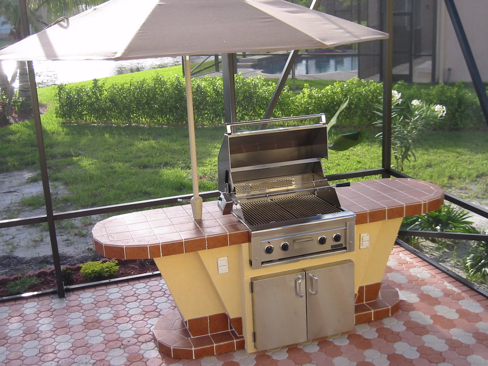 Image of: Outdoor Kitchens Kits