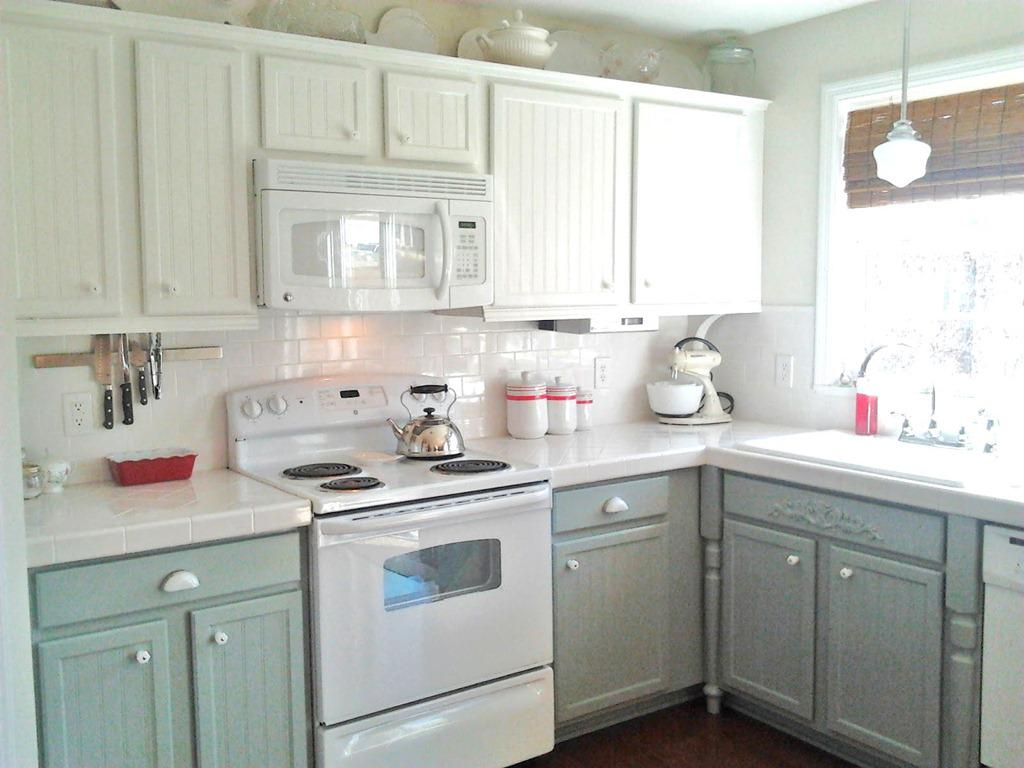 Image of: Painting Oak Kitchen Cabinets Antique White