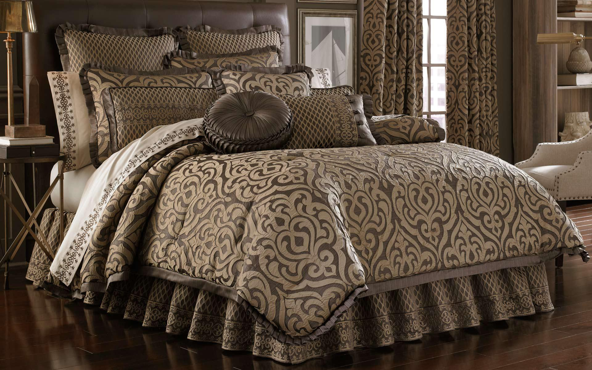 Image of: Queen Bedroom Comforter Sets