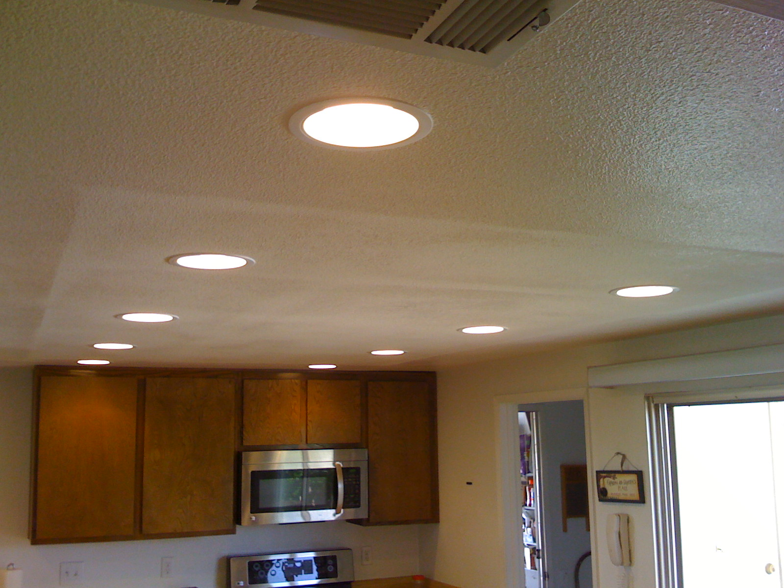 Image of: Recessed Lights Lowes