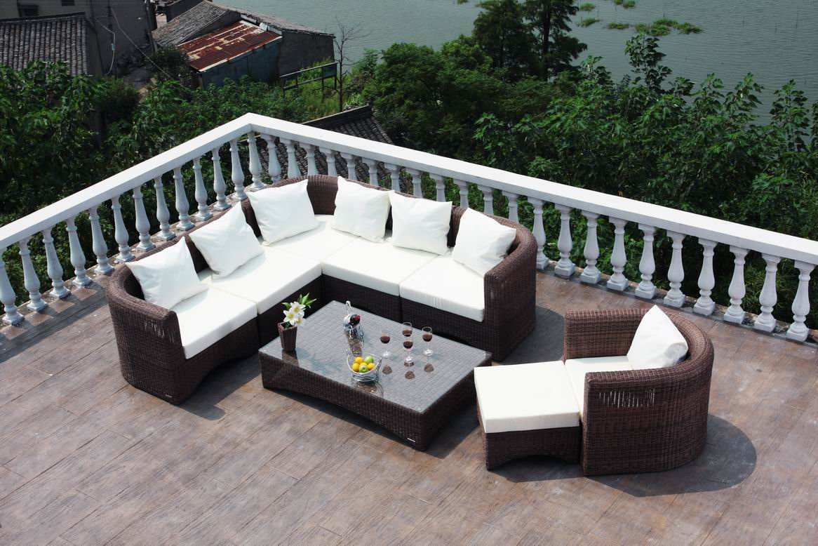 Image of: Resin Wicker Outdoor Dining Furniture
