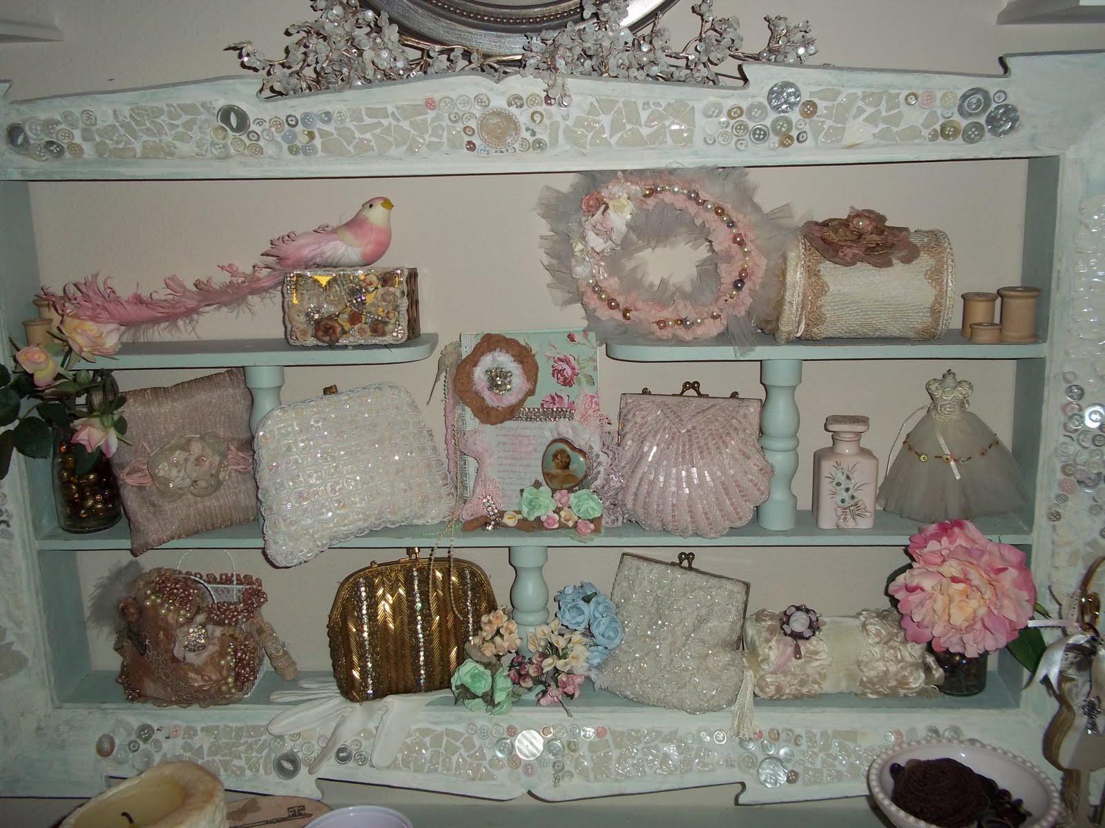 Image of: Shabby Chic Bedroom Accessories Decor