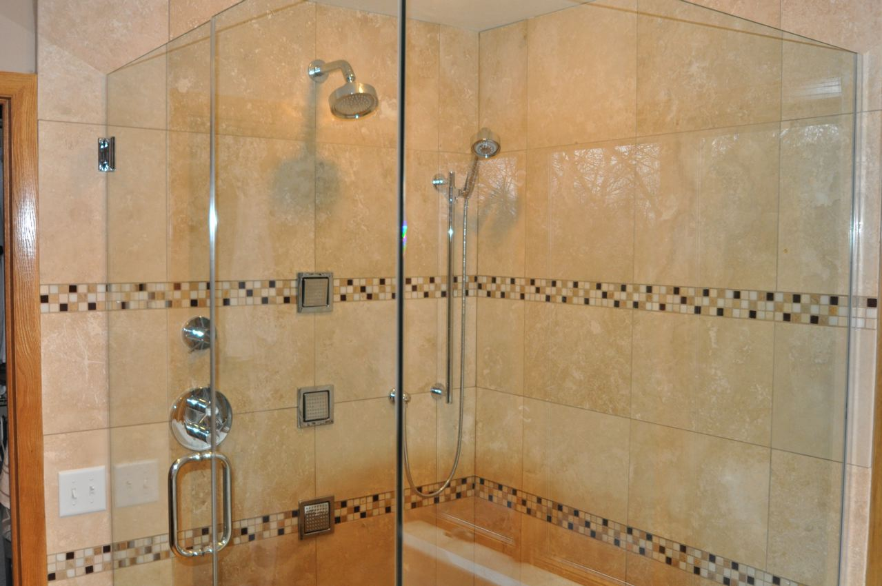 Image of: Small Bathroom Remodel Cost